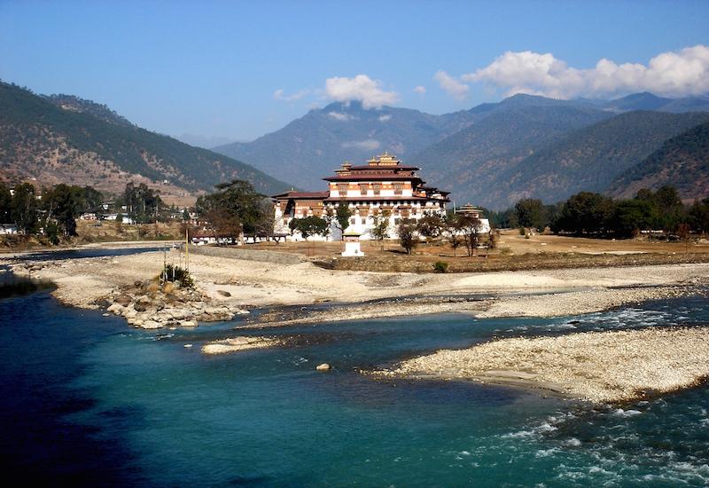 Visit Punakha Dzong in Autumn Season